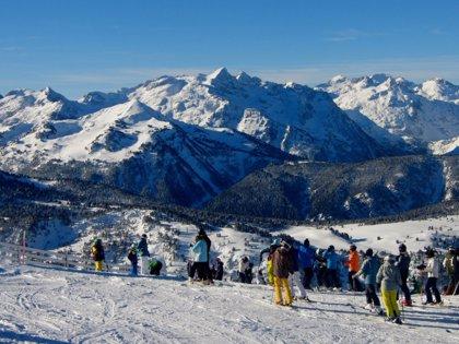 Jornadas de convivencia y práctica del esquí en Baqueira Beret