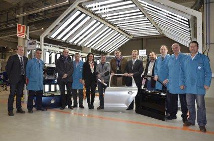 Volkswagen Navarra entrega material al Instituto de FP Donapea