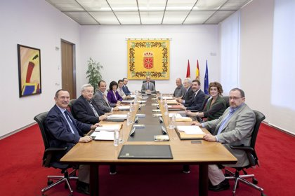 Mesa y Junta estudiarán pedir un informe del coste de los recursos del Gobierno por las licencias de radio