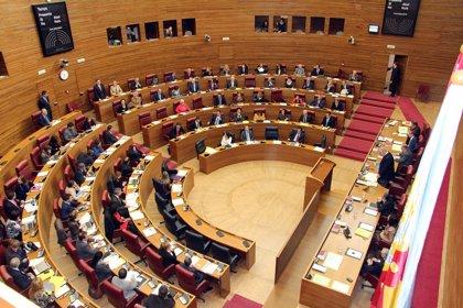 Oltra (Compromís) y Signes (PSPV) son los diputados que más iniciativas han presentado en las Corts esta legislatura
