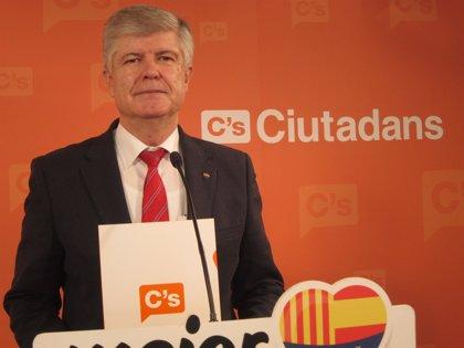 """C's critica las """"continuas referencias a la guerra"""" de Mas"""