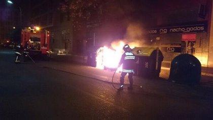Detenido en Badajoz acusado de quemar una docena de contenedores