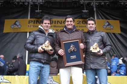 Echániz recoge el premio 'Pingüino de Honor 2014' para Parapléjicos
