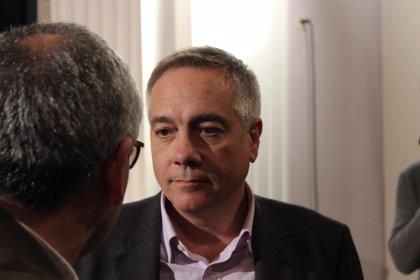 "Navarro califica de ""chapuza"" la carta que Mas envió a Hollande"
