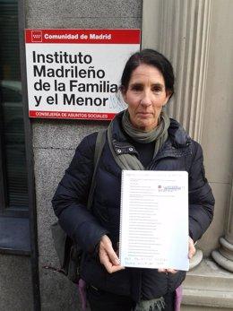 Entrega de firmas de la Asociación de Familias Numerosas de Madrid