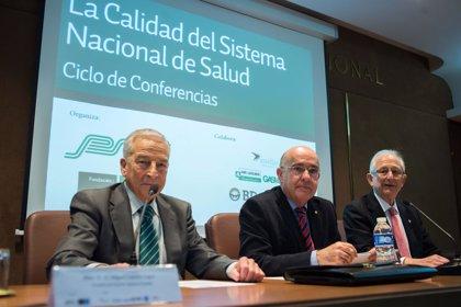 Boi Ruiz apuesta por potenciar la autonomía en la gestión para lograr un modelo sanitario más eficiente