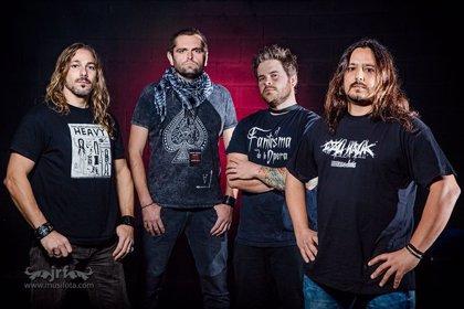 """""""Espectáculo, caña y heavy metal"""" en la presentación del nuevo disco de Eveth"""