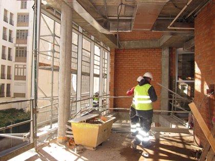 Compromís propone crear una comisión en las Corts para estudiar la reconversión del sector de la construcción