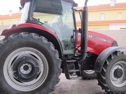 Economía/Agricultura.- Aumenta un 2,7% la inscripción de tractores en 2013, frente a la caída del 13,4% de un año antes