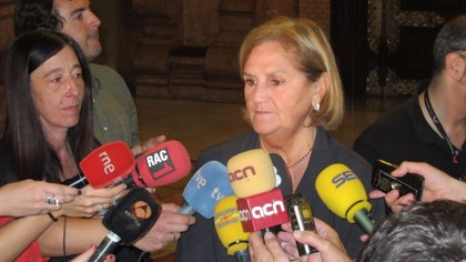 La presidenta del Parlament confía en que Camacho comparezca por Método 3