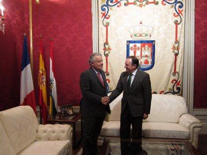 Sanz destaca las buenas relaciones de La Rioja con Francia, primer destino de las exportaciones riojanas en 2013