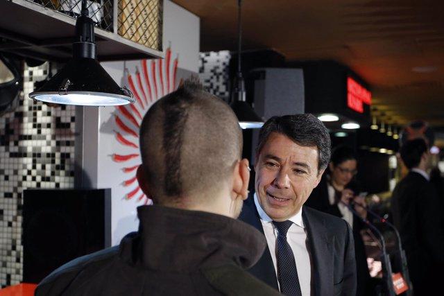 Fotografías: González Con El Chef David Muñoz, Con Tres Estrellas Michelin, Nomb