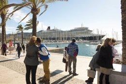 Tursitas extranjeros en el Puerto de Cartagena