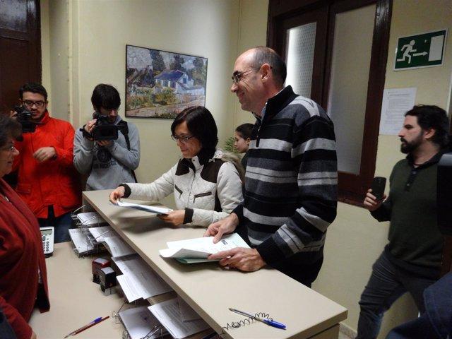 Gámez y Zorrilla, registran la petición de pleno extraordinario.