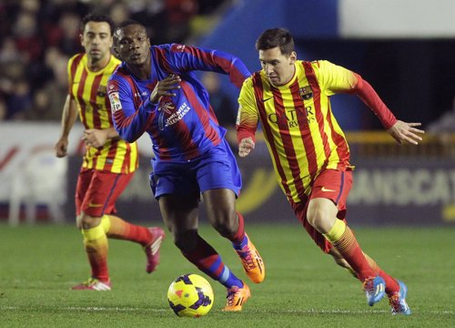Messi ante el Levante