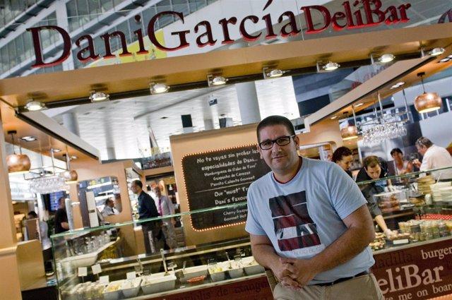 Dani García estrella Michelin en su nuevo bar en aeropuerto Deli Bar