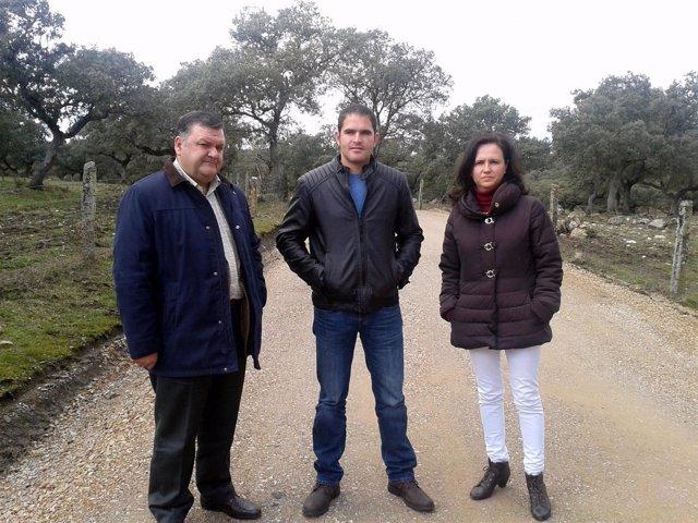 Zurera, Buenestado y Vioque, durante la visita al camino rural de Conquista