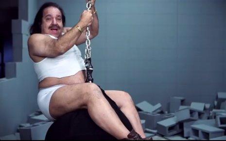 Ron Jeremy parodia a Miley Cyrus