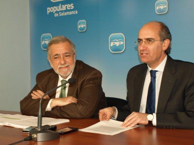 El secretario de Estado Antonio Beteta, junto al presidente del PP de Salamanca