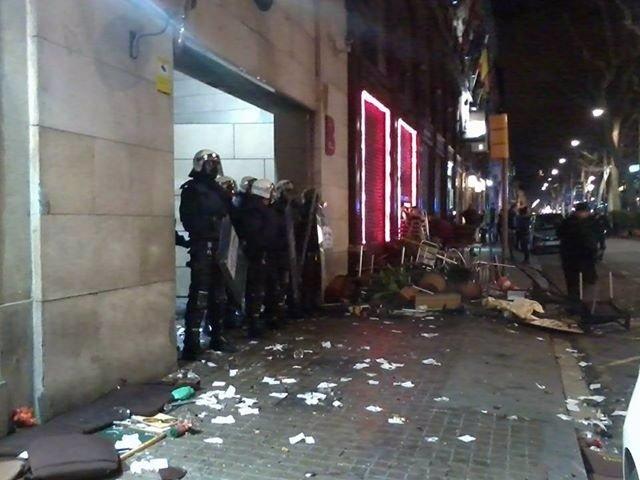 Disturbios en la manifestación de apoyo al Gamonal en Barcelona
