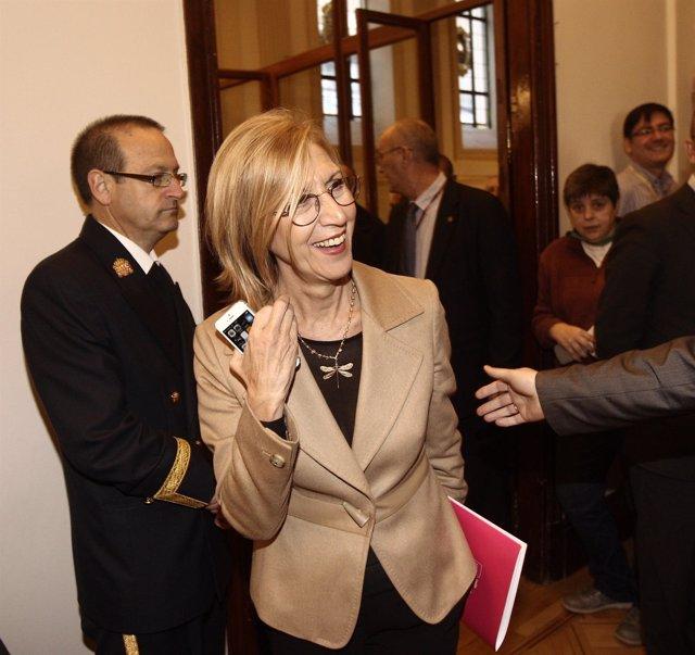 Rosa Díez, portavoz de UPyD, en los pasillos de la Cámara