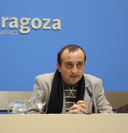 El concejal de IU, Raúl Ariza