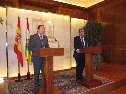 Sanz y Martínez-Portillo acuerdan colaborar para solucionar la situación del polígono 'El Recuenco' o la nueva estación