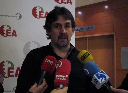 """Urizar cree """"irresponsable"""" que López no descarte """"connivencia"""" entre PNV y Sortu para rentabilizar el fin de ETA"""