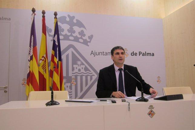 Julio Martínez en rueda de prensa