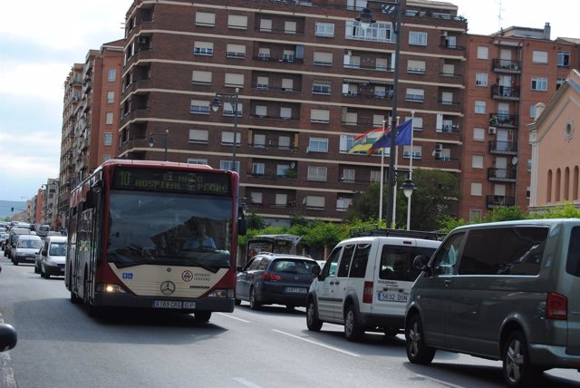 Tráfico en Avenida de Burgos de Logroño