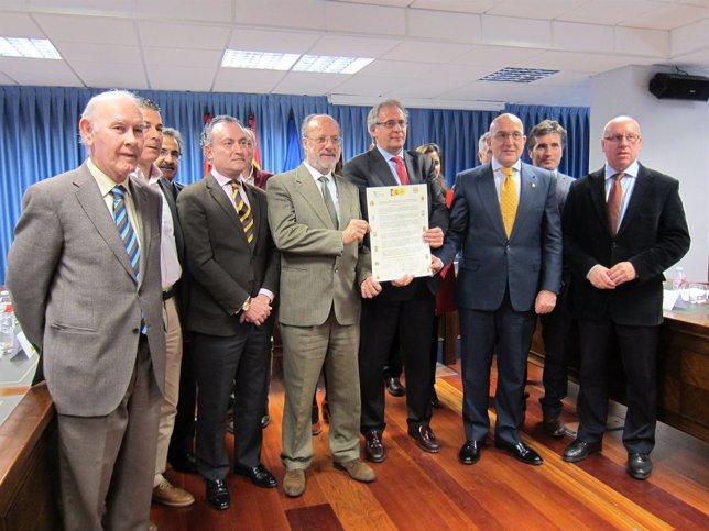 Representantes de las distintas administraciones que han suscrito el manifiesto.