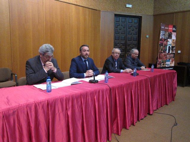 El concejal de Cultura ha inaugurado la exposición dedicada a Campillo