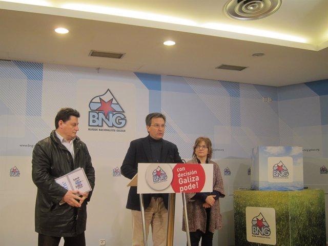 El portavoz nacional del BNG, Xavier Vence, en la rueda de prensa