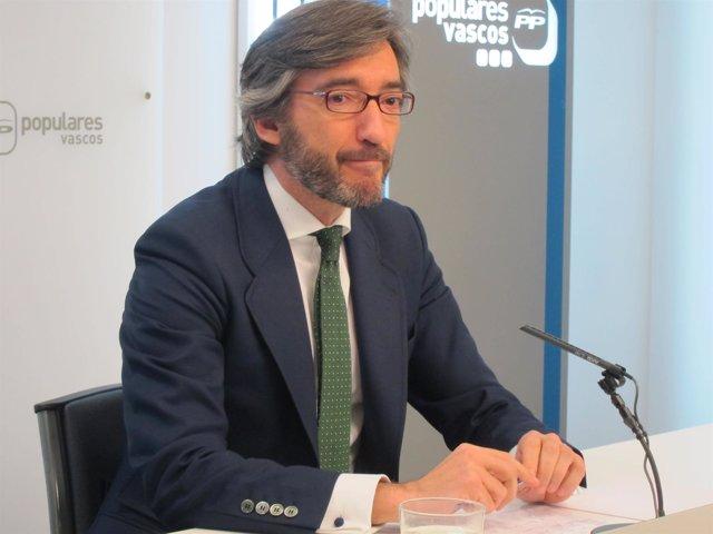 El secretario general del pp vasco, iñako oyarzabal