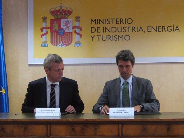 Vicepresidente de la Xunta, Alfonso Rueda con Enrique Hernández,