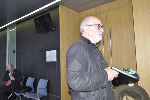 Carlos Escó, en primer término, y al fondo Santiago Coello.