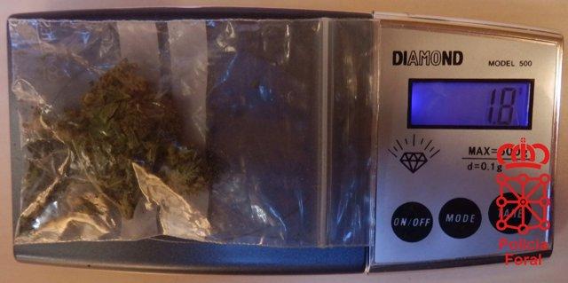Dosis de marihuana que portaba el varón de Pamplona detenido.