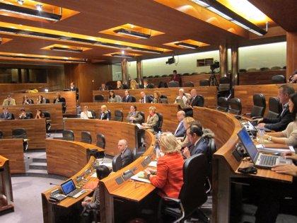 La Junta General acogerá finalmente esta semana un pleno, cambiando la orientación política al jueves
