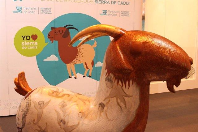 Una de las esculturas de cabras payoyas que hay Madrid
