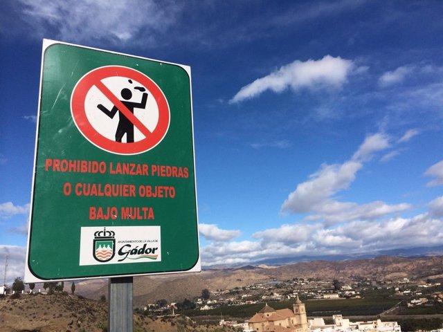 Prohibido lanzar piedras