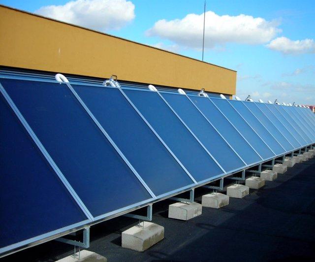 Instalación solar fotovoltaica en el Hospital Virgen del Rocío de Sevilla