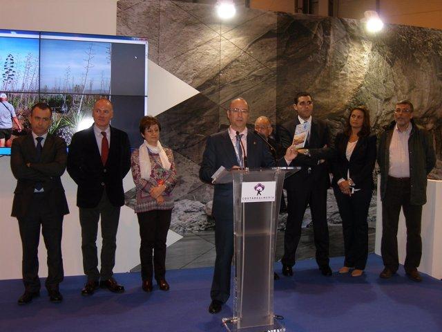 El alcalde de Almería expone la oferta turística de la ciudad