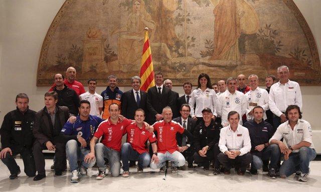 Artur Mas con los participantes catalanes del Dakar