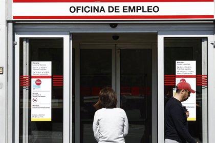 El paro desciende en 8.700 personas en 2013 en la Región y sitúa la tasa de paro en el 28,98%