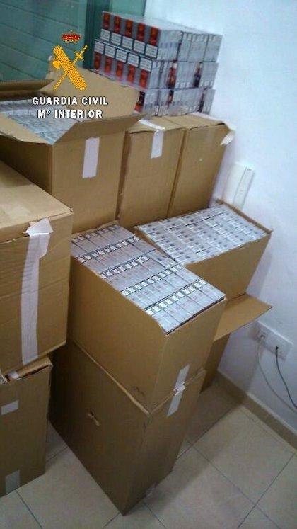 Interceptado un vehículo con 6.200 cajetillas de tabaco de contrabando