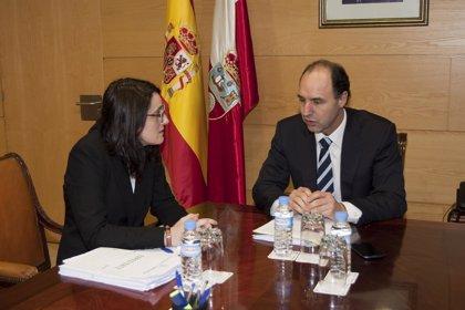 Diego asegura que el Gobierno mantendrá sus compromisos con Torrelavega