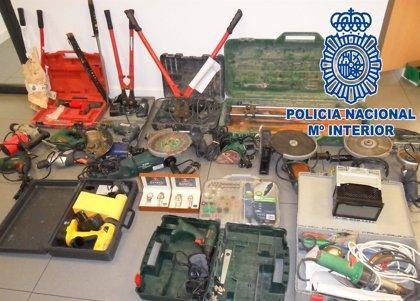 La Policía Nacional detiene al autor de numerosos robos en trasteros, garajes y vehículos de Murcia