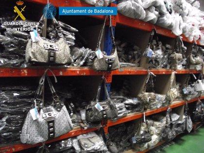 Intervienen género falsificado en Badalona por valor de 6,3 millones