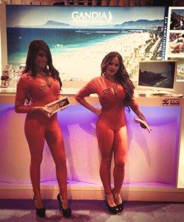 Imagen de las azafatas de una discoteca de Gandia