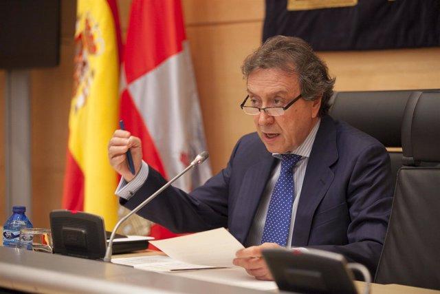 El portavoz de la Junta, José Antonio de Santiago-Juárez